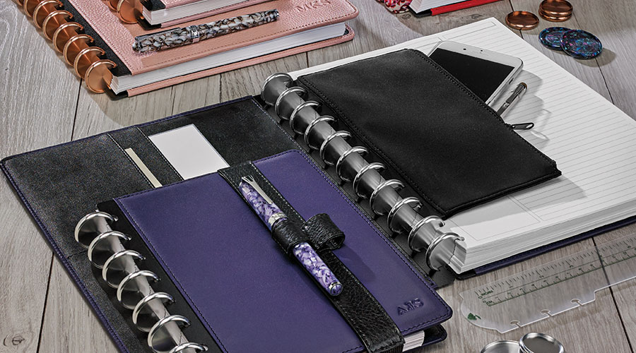Quality - Full-grain leather covers, ultra-durable materials and construction, substantial, archive-quality paper and precision craftsmanship set Circa apart from its inexpensive imitations