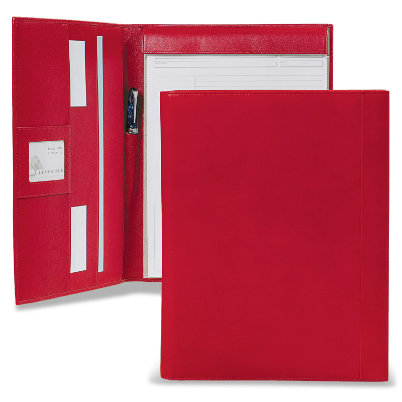 Tyler Folio, Red