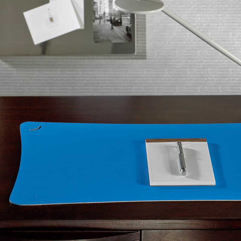 Curvilinear Desk Pad
