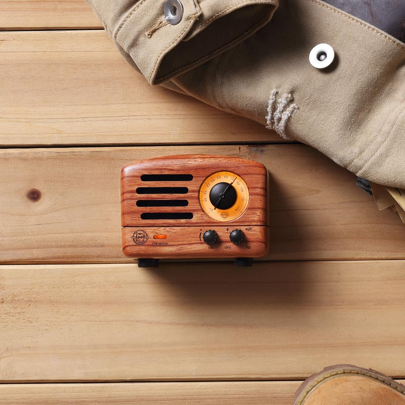 Retro Bluetooth Speaker and FM Radio