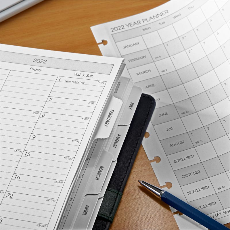 Circa® 2022 Monthly Tabs and Pullout Calendar, Junior