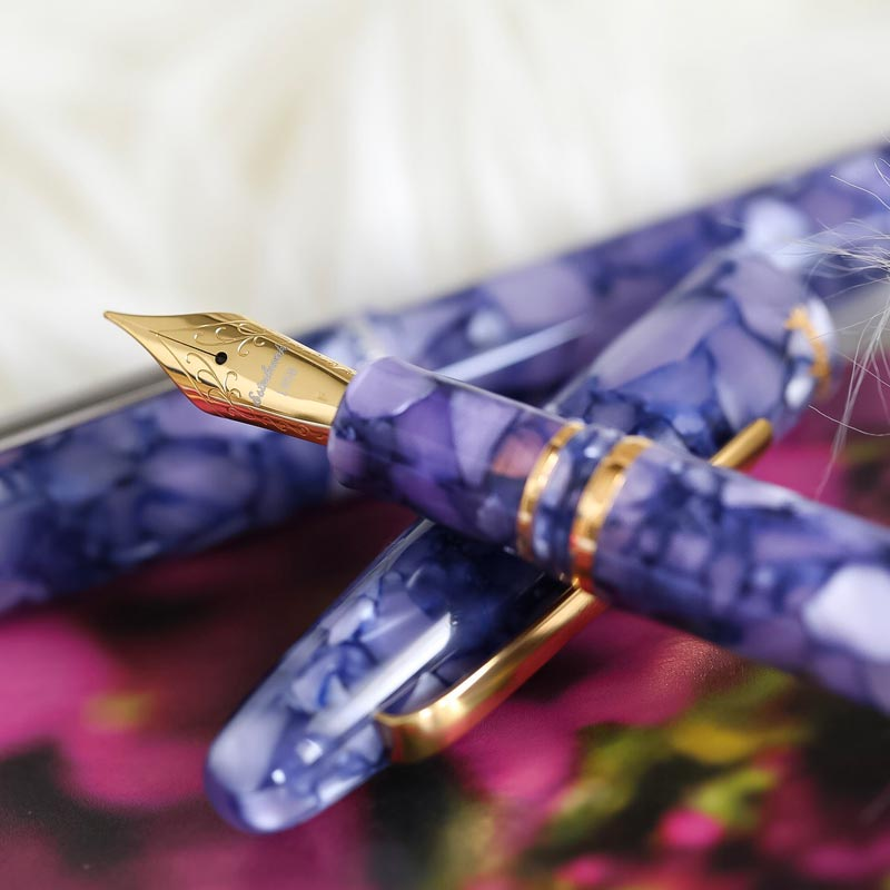 Estie Lilac Fountain Pen