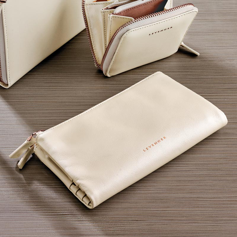 Carrie Cash and Card Clutch - Pearl White