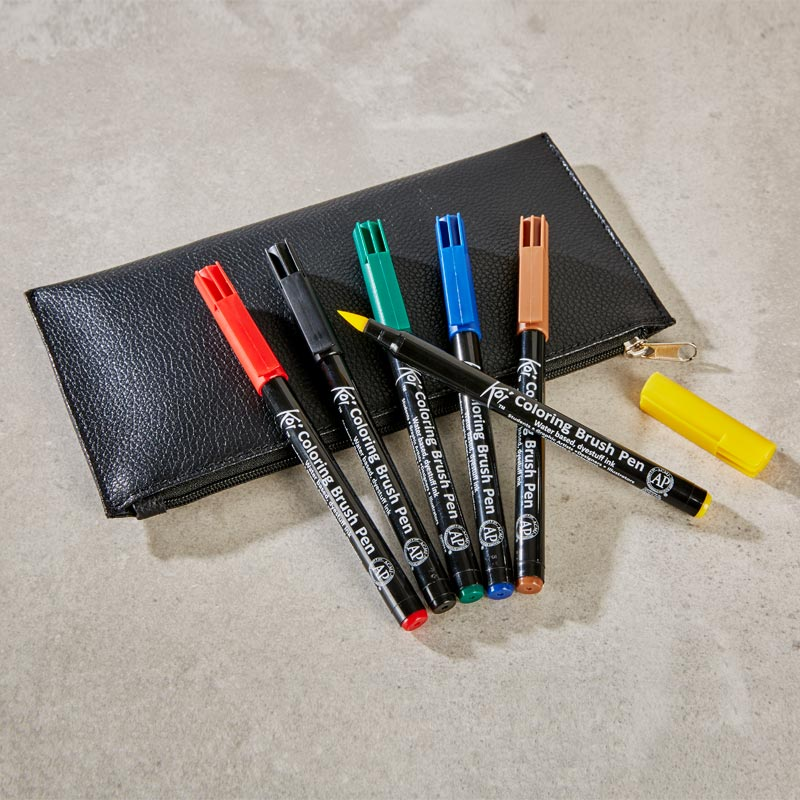 Sakura Koi Coloring Brush Pen Set With Leather Pouch